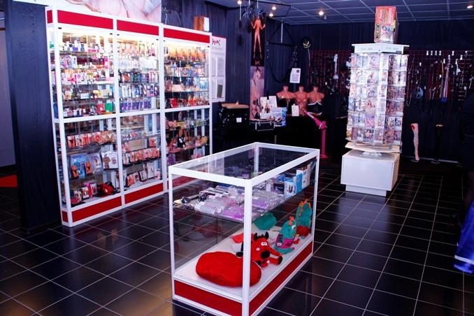 Интим фото шопинг фото 275-379
