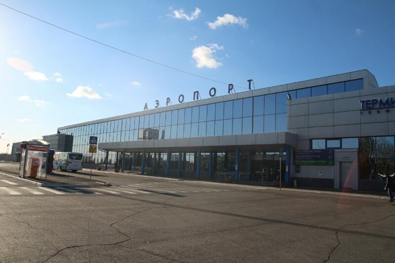 Омские коммунисты выступили за аэропорт имени Егора Летова #Политика #Омск