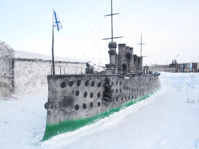 Заключённые изОмска вылепили снежную «Аврору»