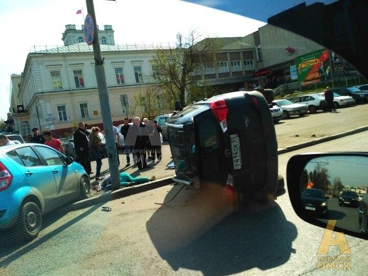 Картинки по запросу дорогой автомобиль сбил пешехода