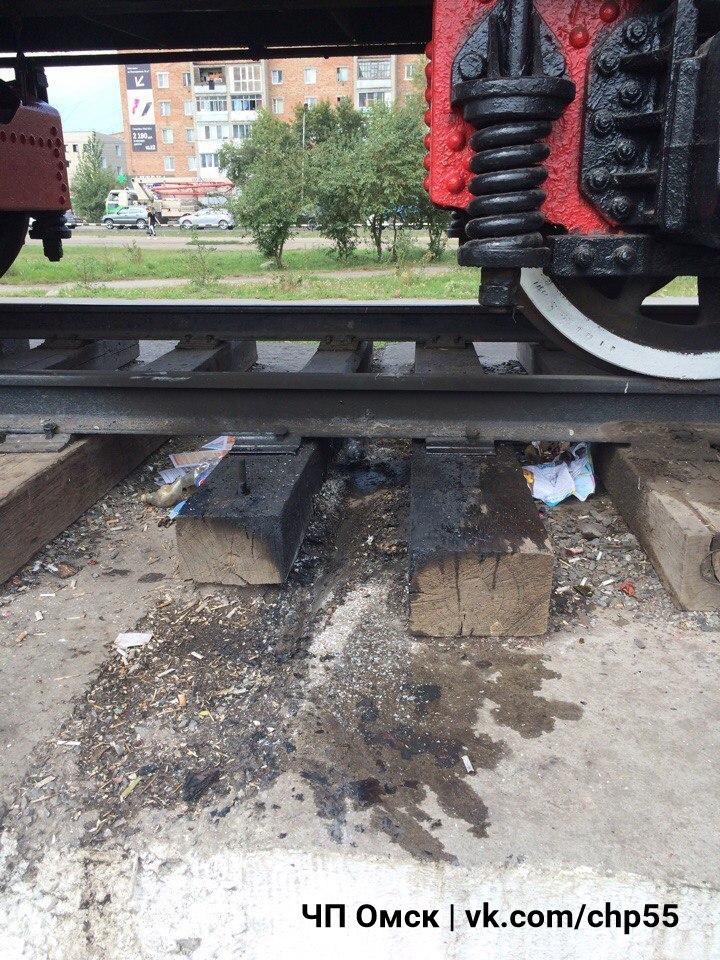 Юные вандалы подожгли паровоз на Московке #Омск #Происшествия