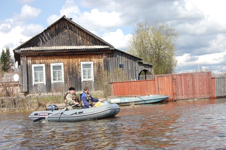 Впроцессе паводка русские почтальоны пересядут навездеходы, баркаса ивертолеты