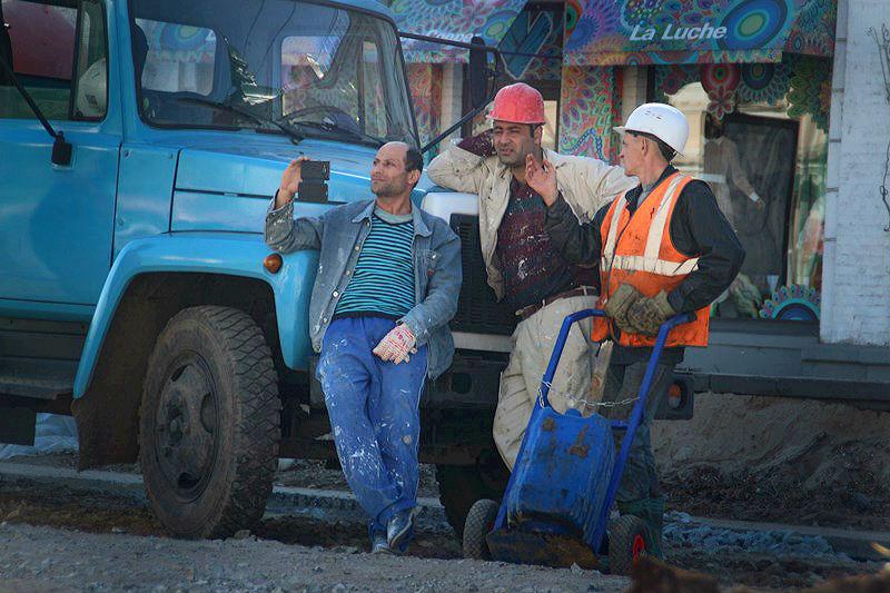 Омские строители за месяц задолжали почти 6,5 миллионов
