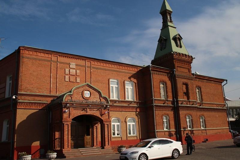 Генпрокуратура дала ТОП-3 жен депутатов Горсовета Омска, прогуливающих работу заграницей