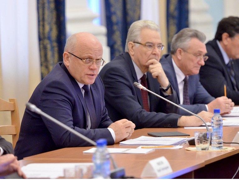 Президент Российской Федерации поздравил губернатора области сДнем защитника Отечества