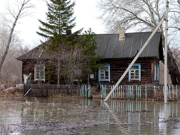 ВОмской области из-за паводка эвакуируют село Затон