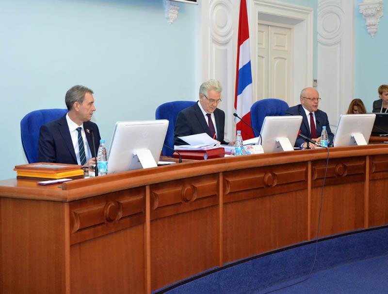 Недостаток бюджета Омской области в следующем году составит приблизительно 1,3 млрд руб.