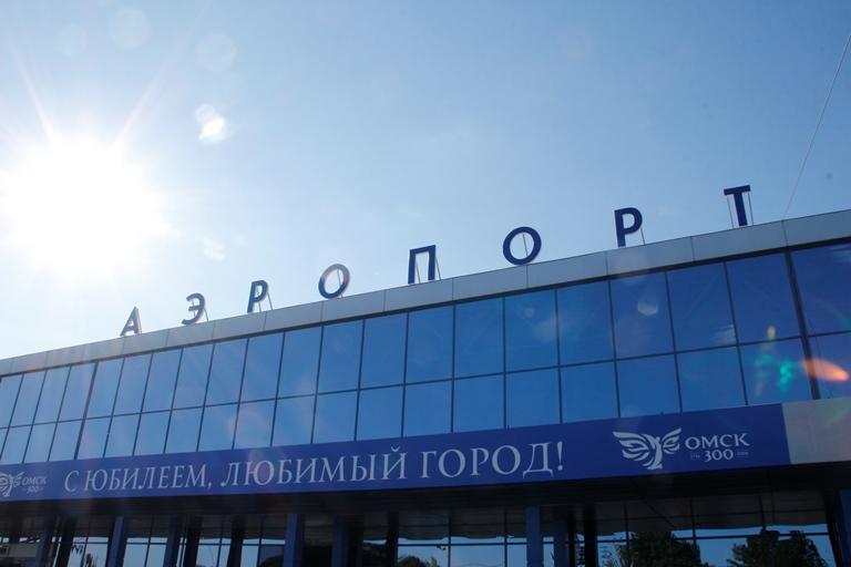 Налетчиков, совершивших «кражу века» в Омском аэропорту, начали судить #Омск #Происшествия #Криминал
