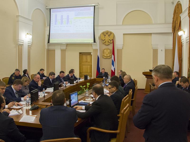 Бурков потребовал разобраться саномальной полыньей наИртыше вцентре Омска