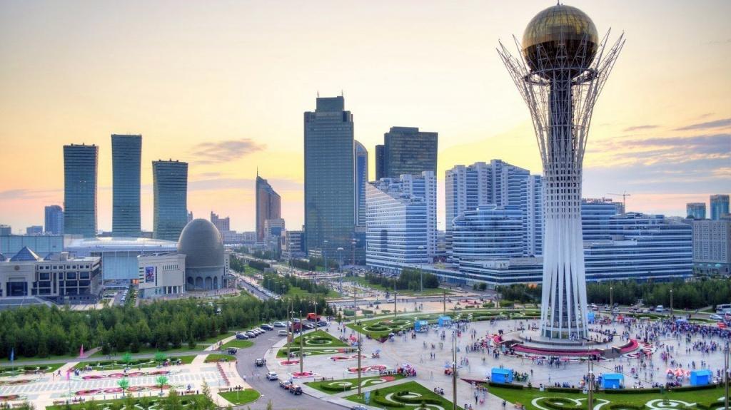 Владимир Путин прибыл вКазахстан