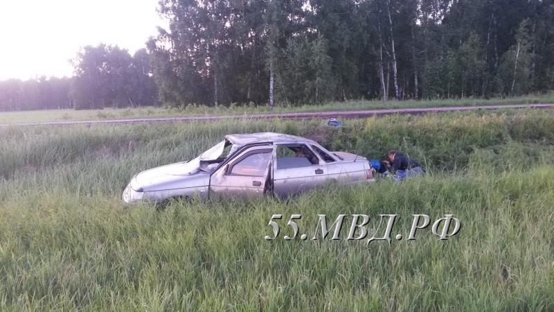 ВОмской области попал вДТП нетрезвый  ученик , катавшийся сподружкой-девятиклассницей