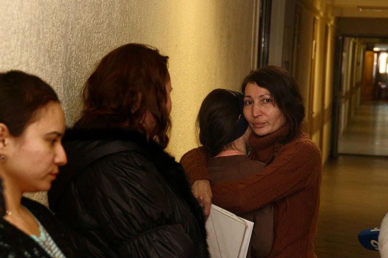 Под Новый год омичка отсудила четверых своих детей  [ФОТО]