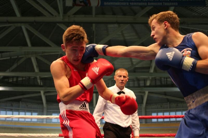 Назаров заявил, что главное в боксе – держать удар