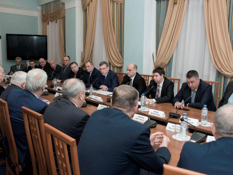 Врио губернатора Бурков пообещал Омску 600 млн  руб.  налогового сбора натранспорт