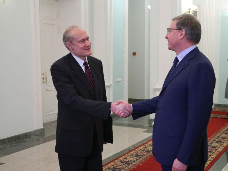 Бурков предложил открыть прямое авиасообщение изОмска вБудапешт