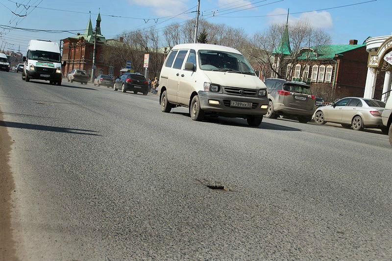 Двораковский заявил, что по утрам в Омске моют асфальт