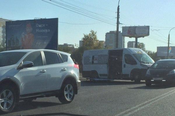 ВОмске вДТП смаршруткой и«Ладой Приора» пострадали 7 человек