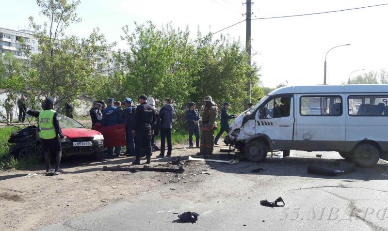 Троих детей увезли в поликлинику после трагедии натрассе Омск— Тара
