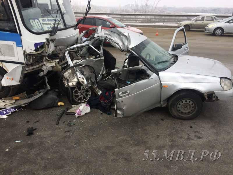 В милиции проинформировали детали смертоносного ДТП сучастием автобуса вОмске