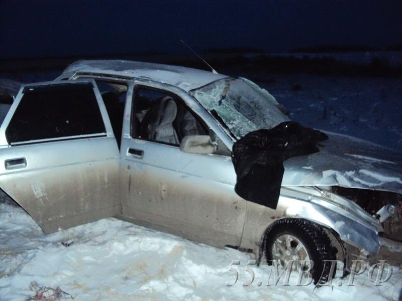 ВОмской области опрокинулся ВАЗ спассажирами