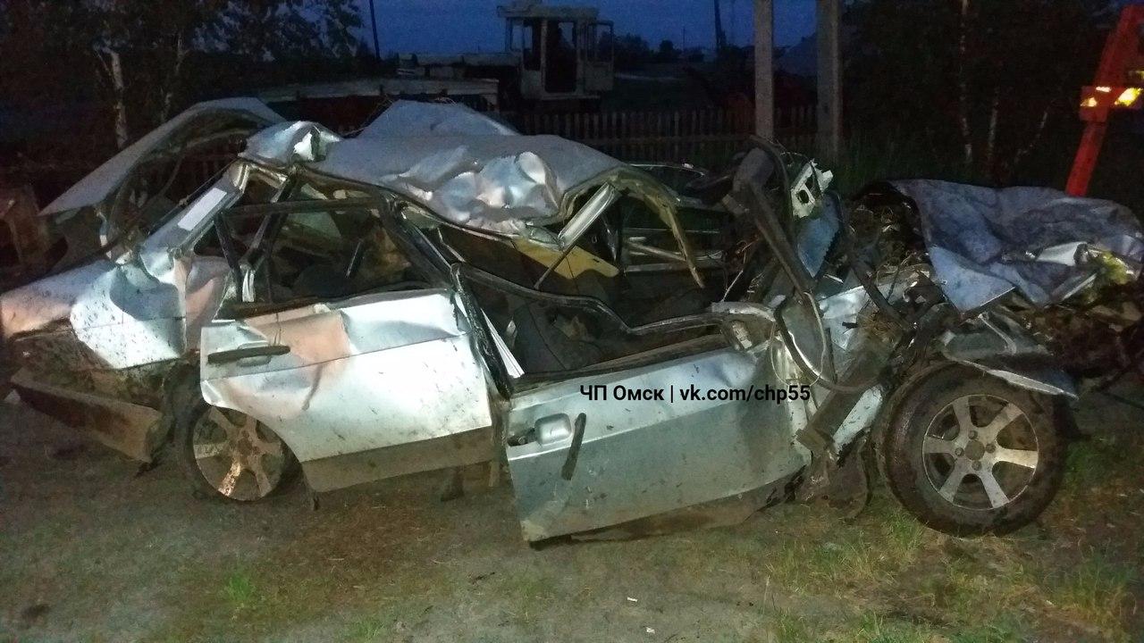 ВОмской области вДТП умер шофёр ВАЗа и14-летняя школьница
