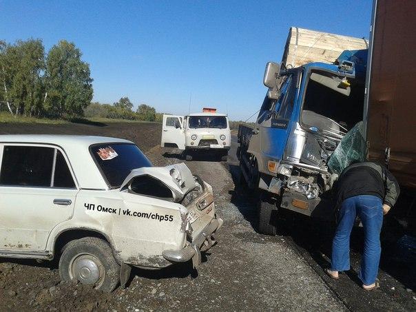Шофёр фургона, ловивший покемонов зарулем, спровоцировал ДТП под Омском