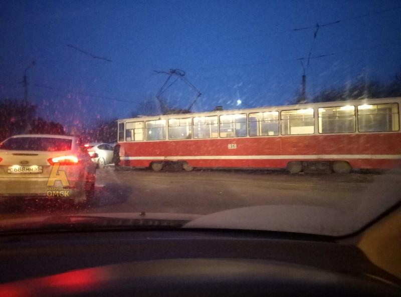 В Омске сегодня сгорел трамвай, а не троллейбус