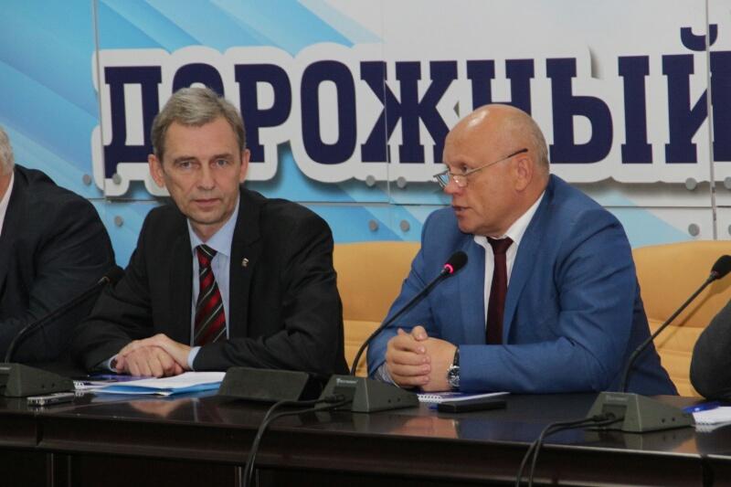 Виктор Назаров озвучил сумму наремонт дорог вОмской области