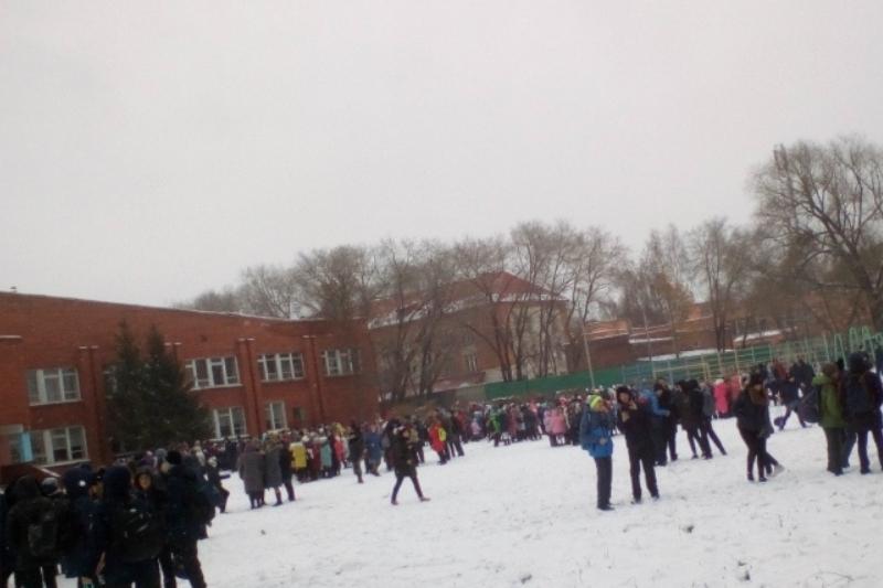 О «минировании» гимназии вОмске сказал  ребенок