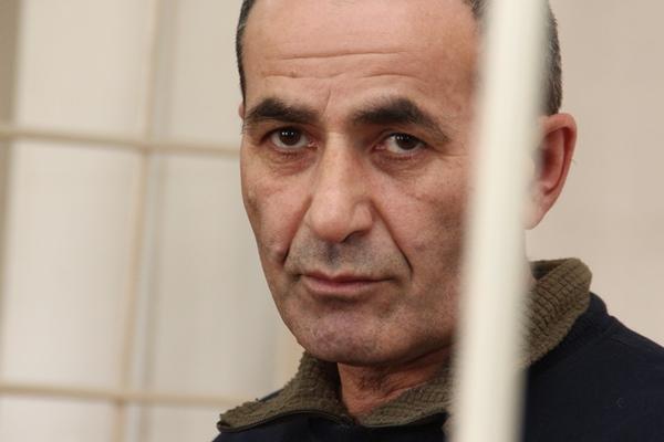 Горчуев, сбивший вОмске мать стремя детьми, просил извинения наколенях