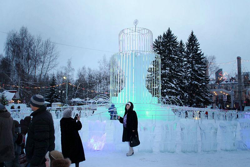 Новогодние праздники в Омске дешевеют год от года
