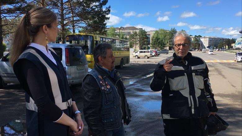 Артист Радж Капур начал мотопробег повсей Российской Федерации изВладивостока