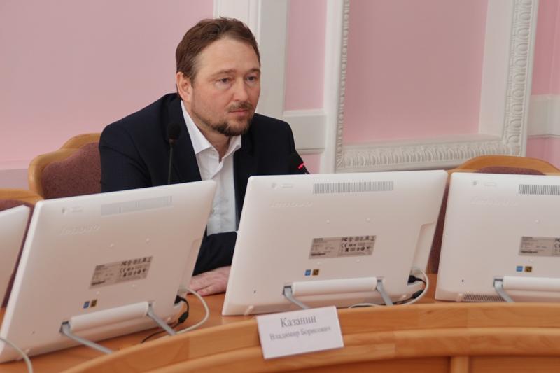 Коммунист Жарков пожаловался всуд нанедопуск квыборам главы города Омска