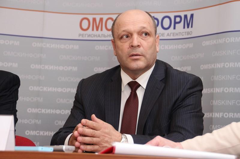 Владимир КАЗИМИРОВ: «А целесообразно ли вывозить из Омска весь снег?»