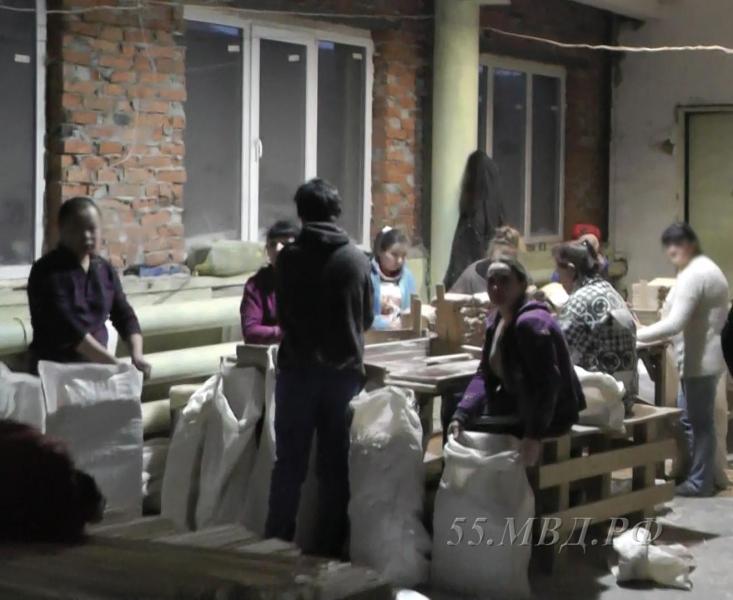 ВОмске накрыли подпольный цех попроизводству китайских палочек