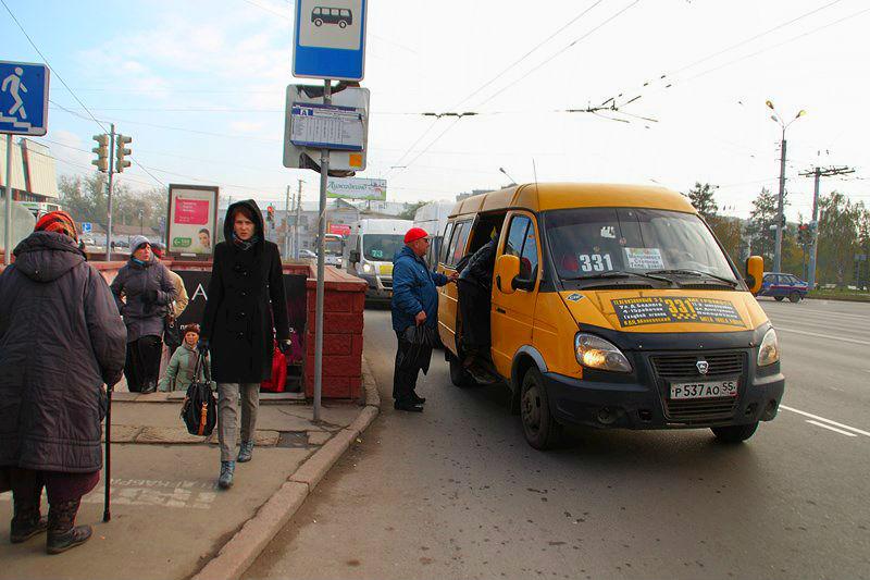 В Омске нашли 25 неисправных пассажирских маршруток  #Омск #Общество #Сегодня