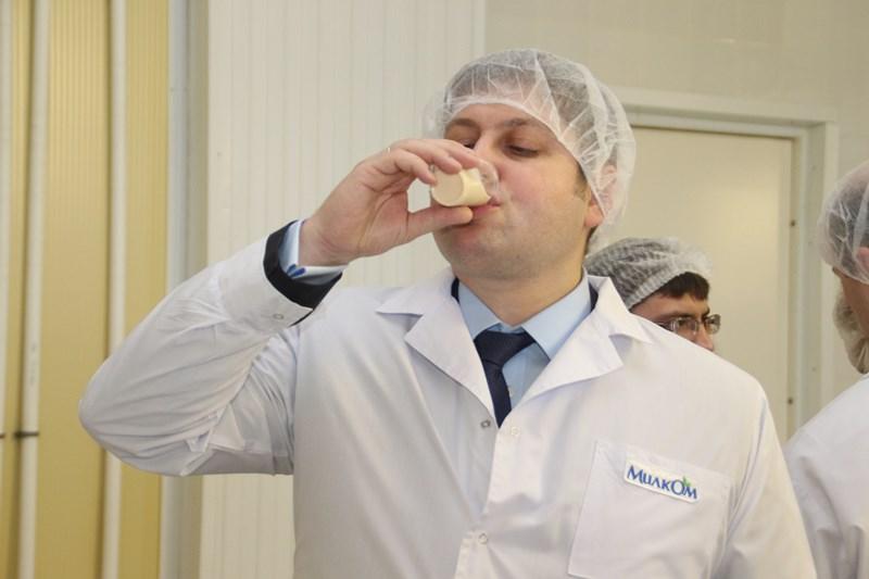 Федеральный чиновник пожаловался на отсутствие омского молока в Москве [ФОТО]