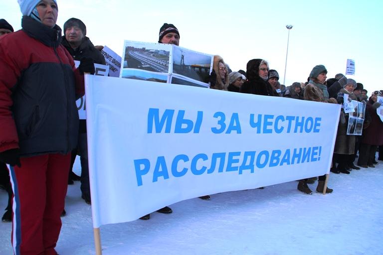 Омский губернатор Бурков посмотрел, как строится хоккейная академия «Авангард»