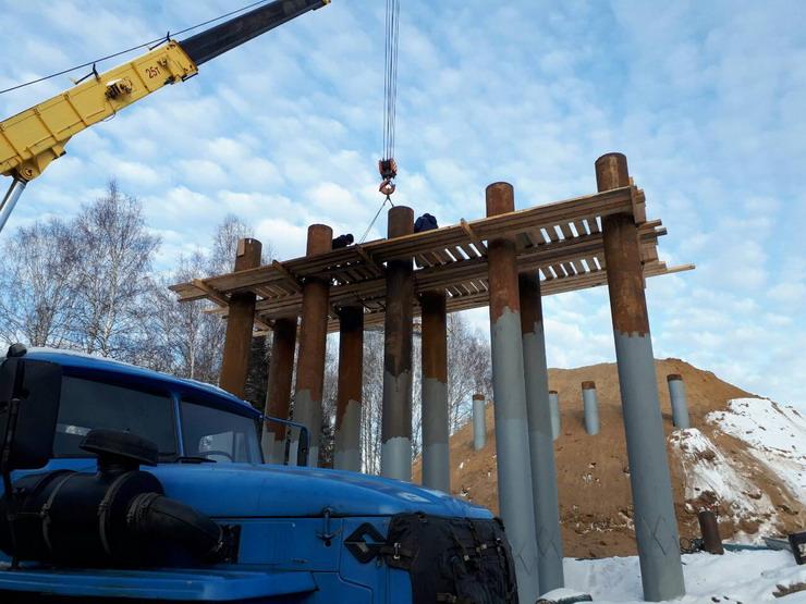 ВОмской области начали строить инновационный мост издосок
