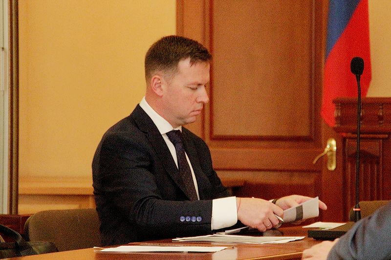 Омский экс-чиновник Меренков попросил отпустить его под залог