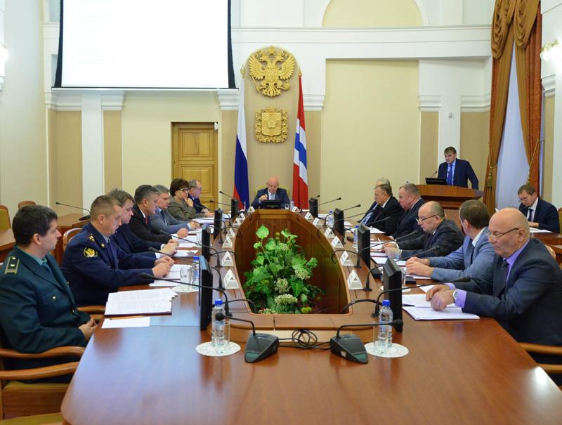 Назарову рассказали осокращении количества «ломок» уомских наркоманов