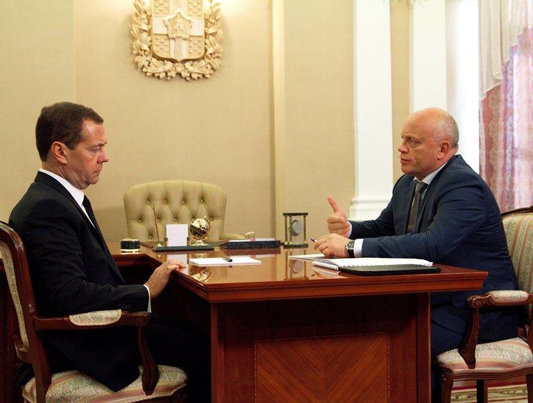 Что пожелали омичам Путин, Медведев и Назаров?