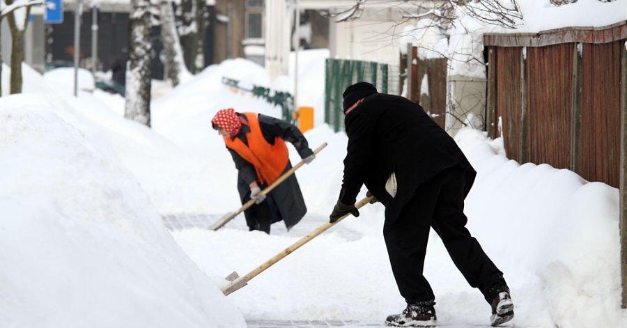 Омич провел Новый год под арестом за то, что не хотел чистить снег [ФОТО]
