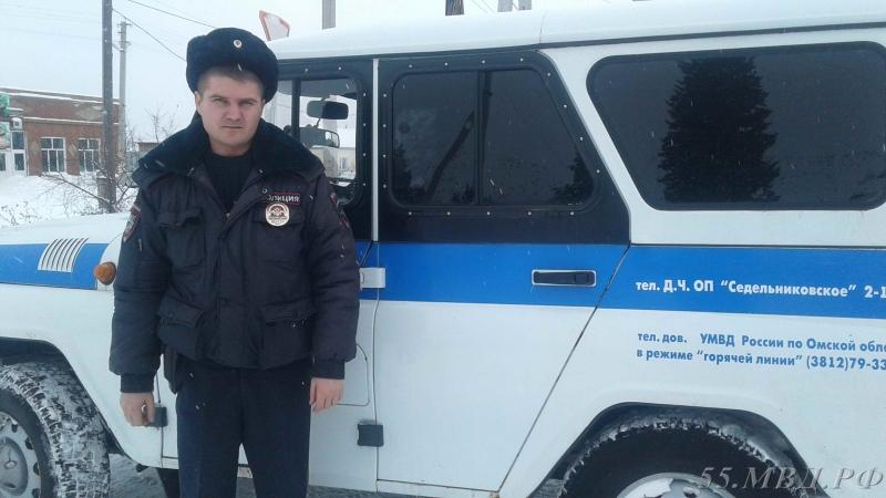 Двое полицейских в Омской области потушили водонапорную башню [ФОТО]