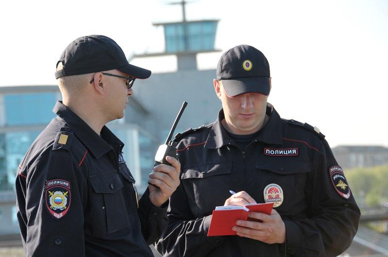 Пока две омички ругались, у них украли кошелек #Происшествия #Омск