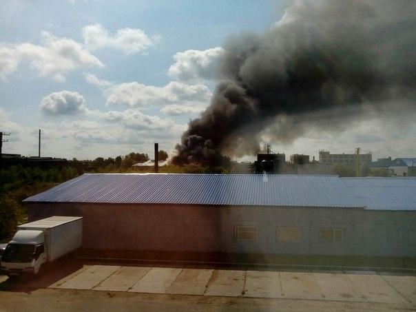 ВОмске пожар назаводском складе тушили 39 спасателей