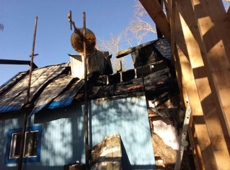 Вселе Иртышском Омского района пожарные напротяжении получаса тушили церковь