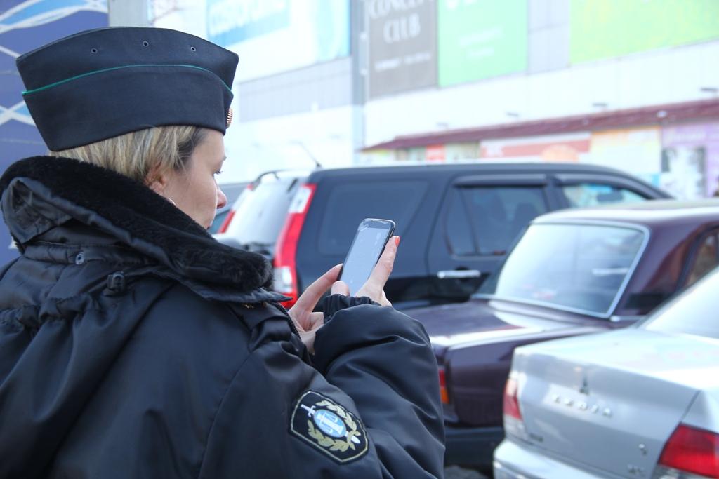 Омичка лишилась «Тойоты-Камри» за чужие долги [ФОТО]