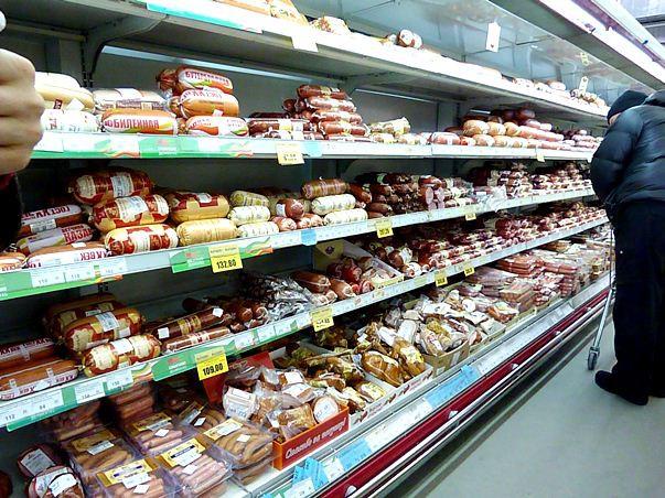 В омском супермаркете девушка ела прямо с прилавка – очевидцы #Происшествия #Омск #Сегодня