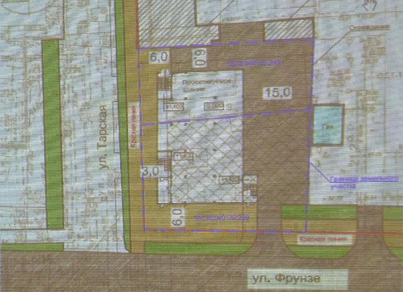 На Тарской хотят построить небольшой ТК с пешеходной улицей [ФОТО]